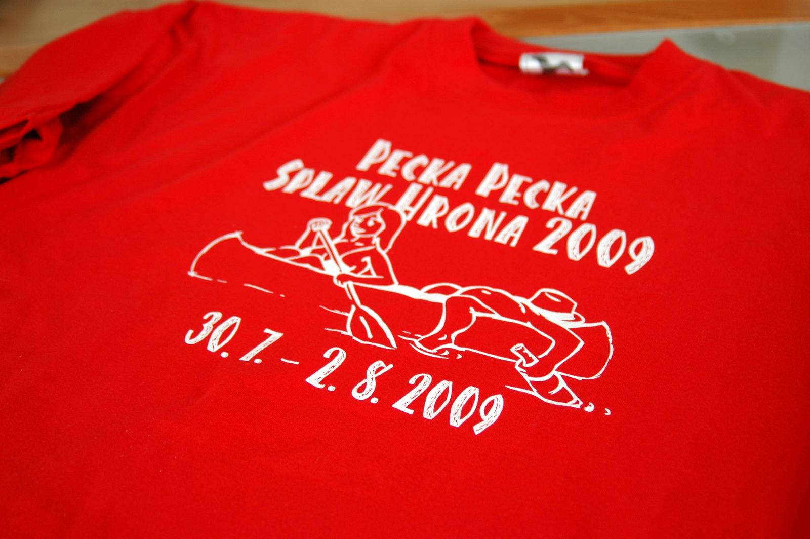 1a4458e7156b Dvojfarebné tričko s bundami a šiltovkou Can-Am Bratislava