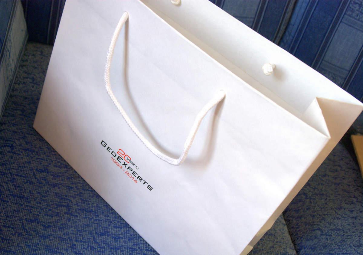 b9a93adb4 Pevné papierové tašky pre firmu GeoExperts Žilina | LAJKA®