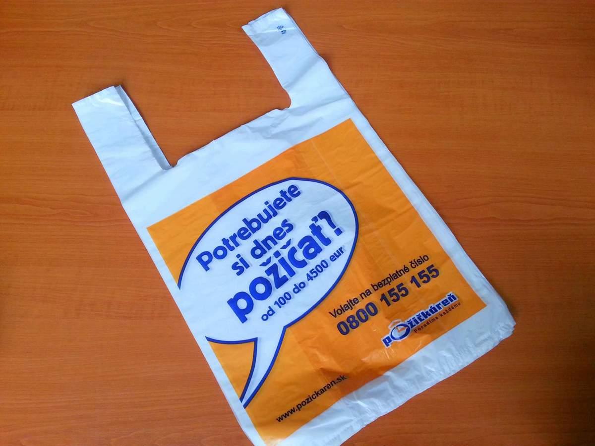 b74ee042ec Mikroténová taška s ušami na držanie. Potlač pre firmu Pôžičkáreň.sk